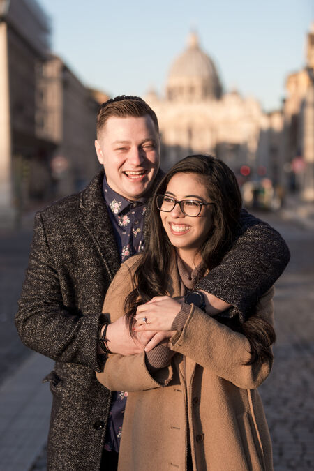 Erin & Jacob, a happy betrothed couple on a beautiful Christmas Eve in Rome